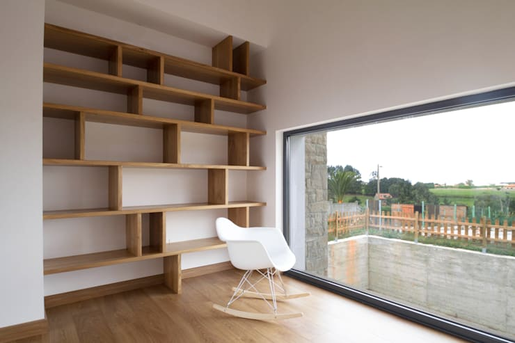 CASA BARBARA: Salones de estilo rústico de R. Borja Alvarez. Arquitecto