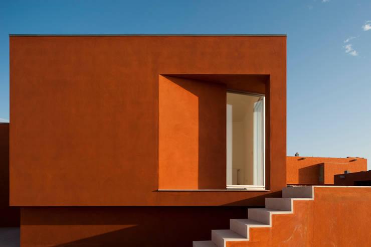 O House – Bom Sucesso, Design Resort, Leisure & Golf, Óbidos: Casas  por Atelier dos Remédios