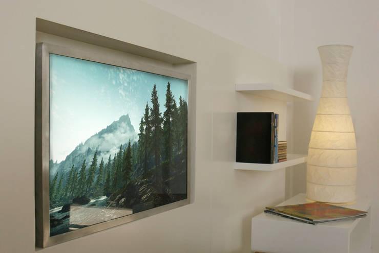 Módulo para TV + Estantes: Livings de estilo  por MINBAI