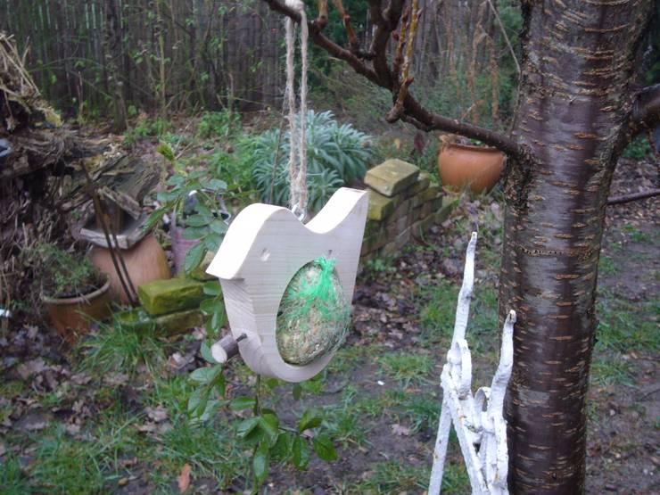 Сад  в . Автор – jute-idee