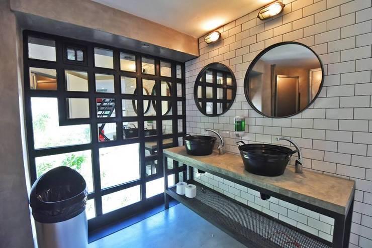 La Maquinita: Baños de estilo  por Trua arqruitectura,Moderno
