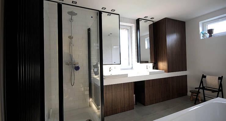 Łazienka: styl , w kategorii Łazienka zaprojektowany przez Hansloren,Nowoczesny Ceramiczny