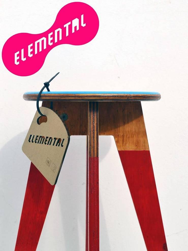 Bancos y mesas ensamblables: Comedores de estilo  por MueblesElemental