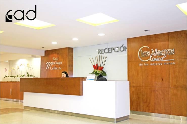 Clínica Las Vegas - diseño arquitectónico e interior - Medellín:  de estilo  por Centro de Arquitectura y Diseño | CAD