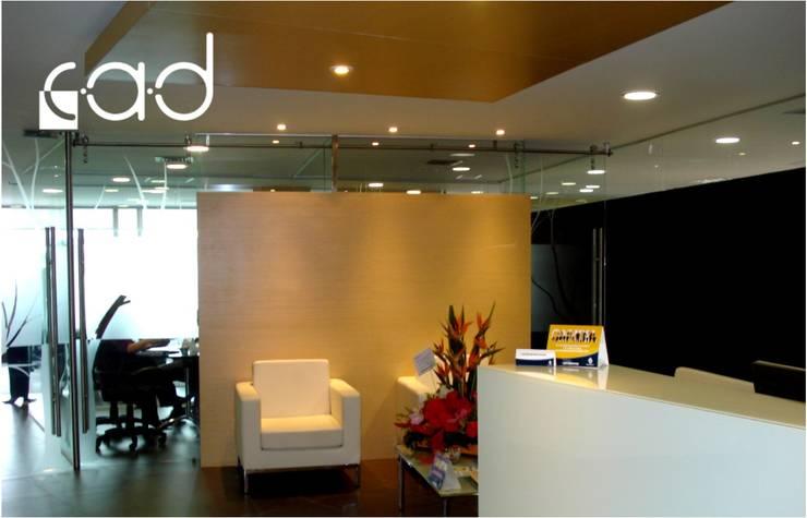 Oficinas Fondo de Garantías de Antioquia - diseño arquitectónico e interior - asesoría imagen y construcción - Medellín:  de estilo  por Centro de Arquitectura y Diseño | CAD