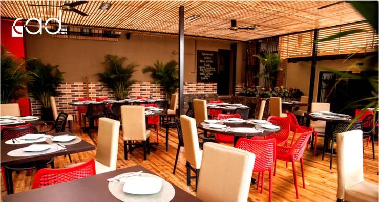 Restaurante Puro Perú - diseño interior - Medellín:  de estilo  por Centro de Arquitectura y Diseño | CAD