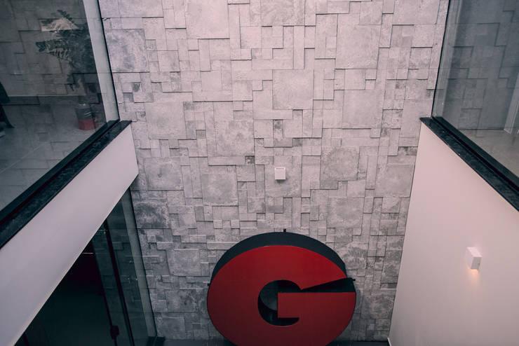 Poço de iluminação: Edifícios comerciais  por Andréia Figueiredo Arquitetura,