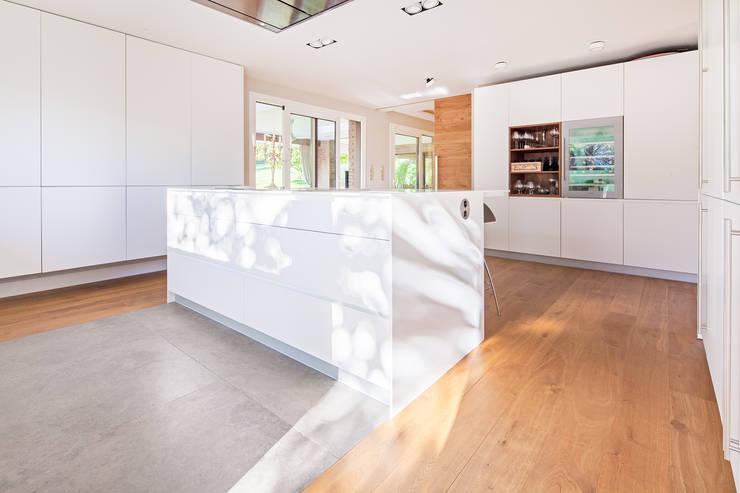 Cozinhas modernas por Tarimas de Autor
