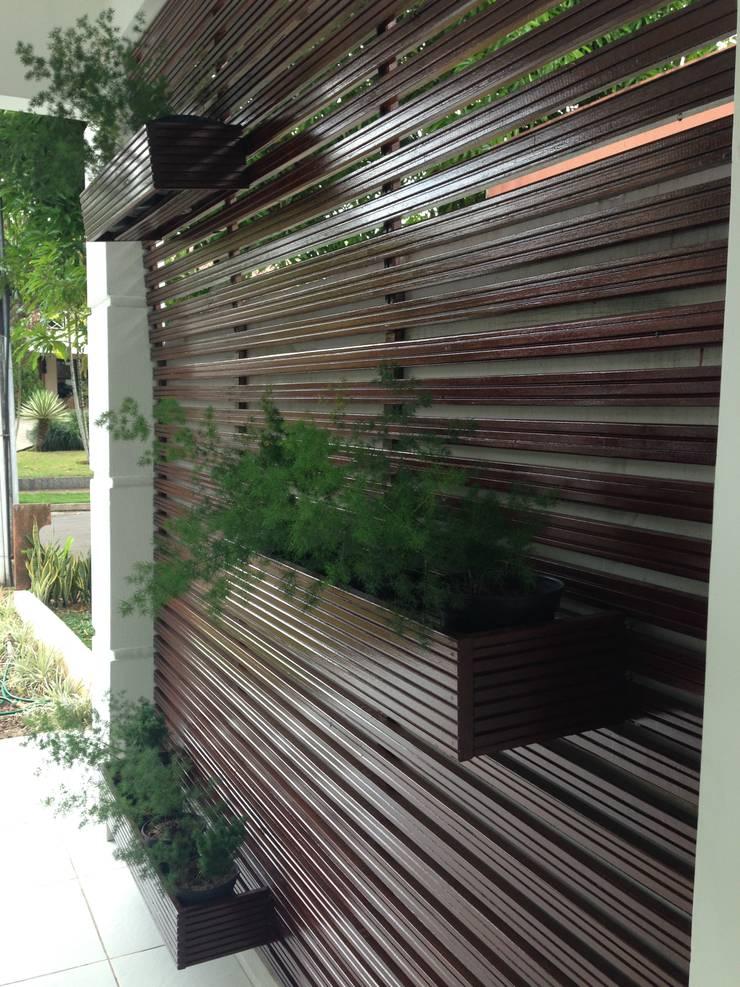 Residência Rodrigues: Jardins modernos por Marcos Assmar Arquitetura | Paisagismo