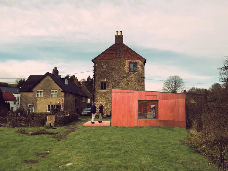 Phantom Studio - The Shed Project 2015:   por João Araújo Sousa & Joana Correia Silva Arquitectura