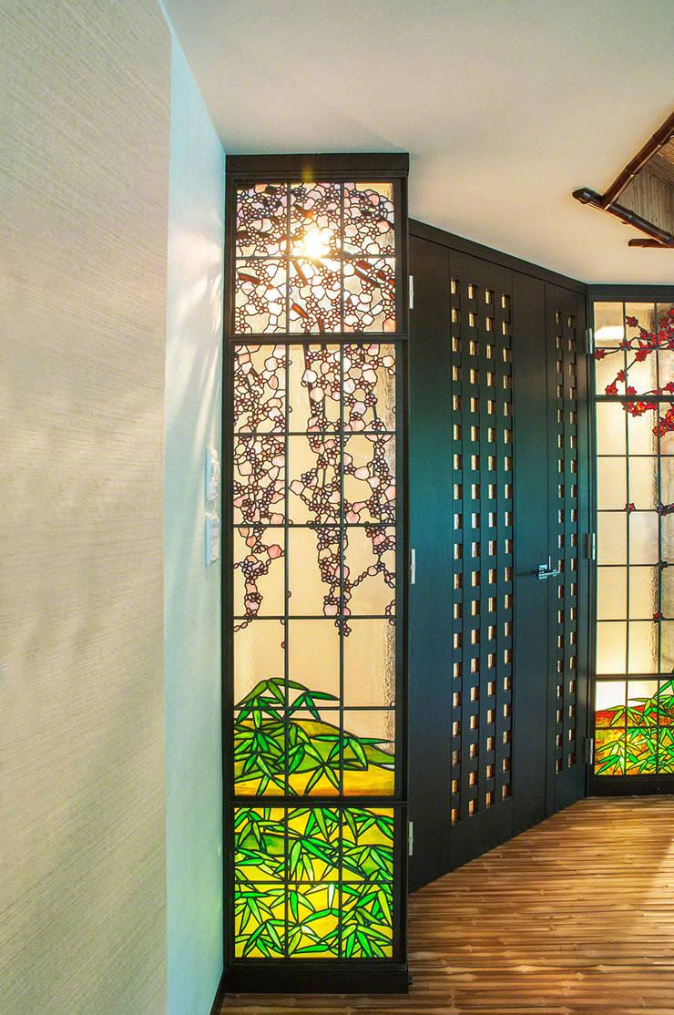 側面よりしだれ桜: マルグラスデザインスタジオが手掛けたアジア人です。,和風 ガラス
