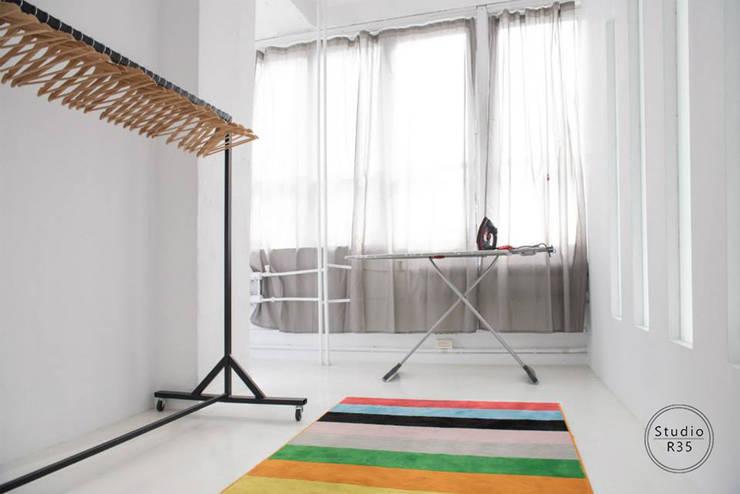 Studio fotograficzne: styl , w kategorii Centra wystawowe zaprojektowany przez Studio R35,Industrialny