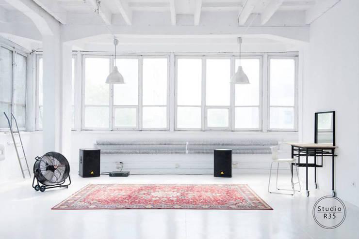 Studio fotograficzne: styl , w kategorii Bary i kluby zaprojektowany przez Studio R35,Industrialny