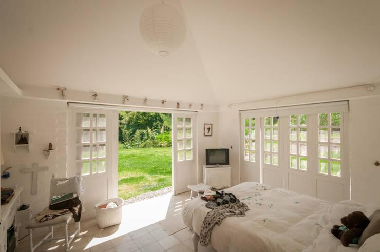 Dormitorios de estilo moderno por SDHR Arquitectura