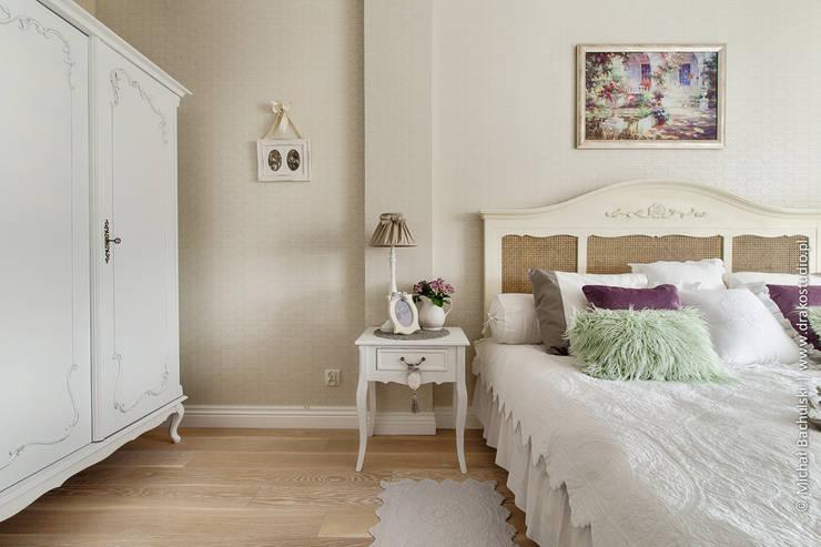 Ciepło Zimno… : styl , w kategorii Sypialnia zaprojektowany przez DreamHouse.info.pl