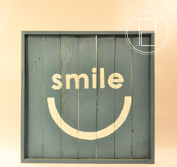 Smile: Casa  por Blue Art Factory