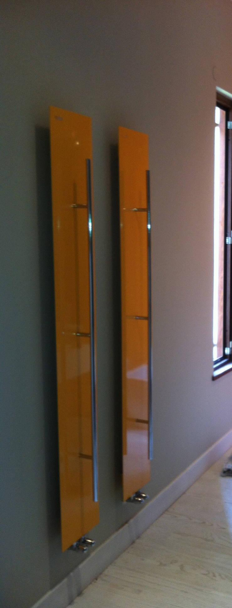 Bathroom by architetto raffaele caruso,