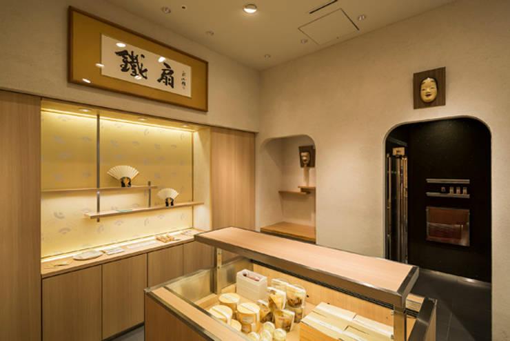 Delica鐵扇 MIDORI長野店: 株式会社アマゲロ / amgrrow Co., Ltd.が手掛けた商業空間です。