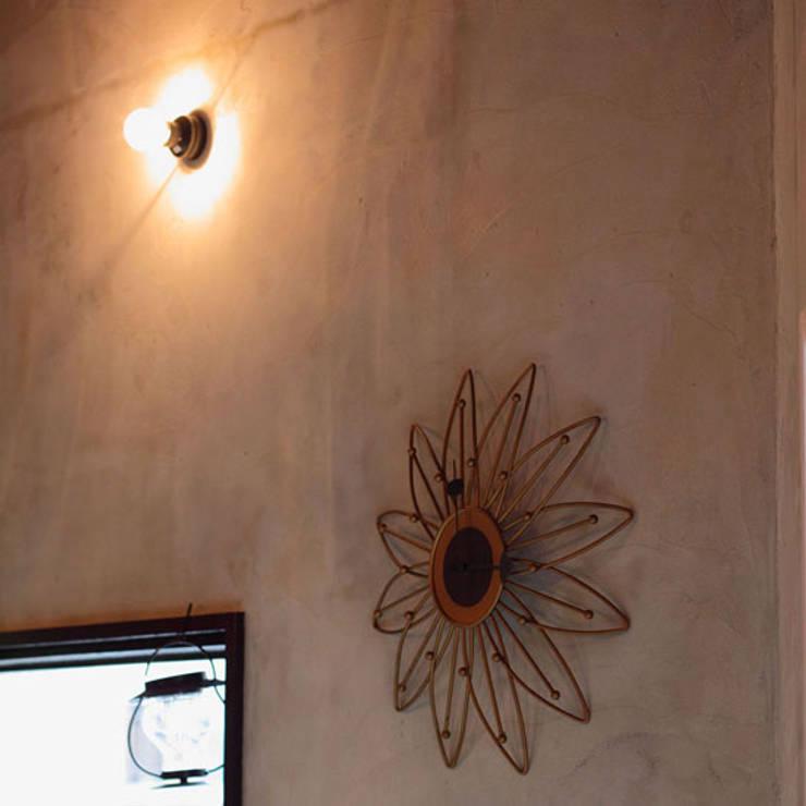 Ototo Jet: 株式会社アマゲロ / amgrrow Co., Ltd.が手掛けた壁&床です。,