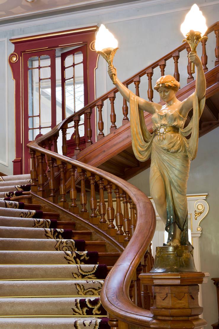 Vidago Palace Hotel: Escadas  por Ferreira de Sá
