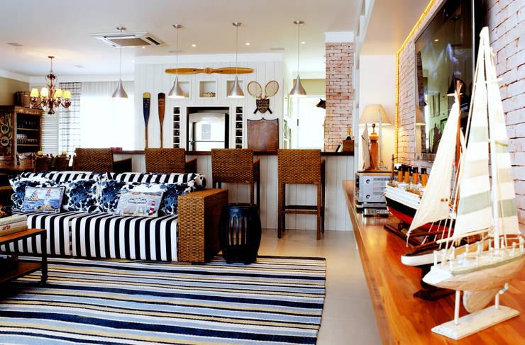 PROJ. RAMOS & PEIXOTO: Salas de estar modernas por BRAESCHER FOTOGRAFIA