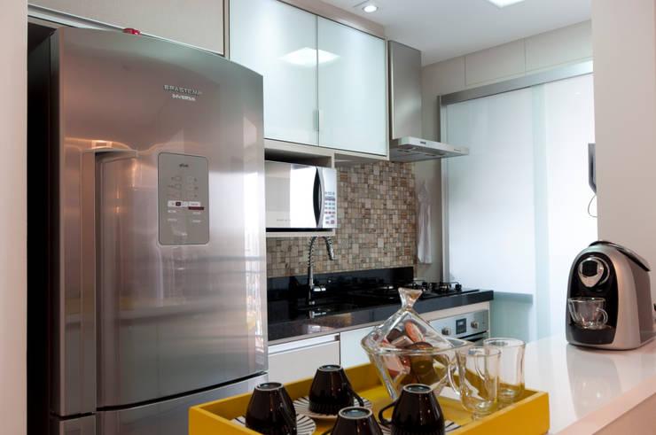 Cozinha: Cozinhas  por Haus Brasil Arquitetura e Interiores