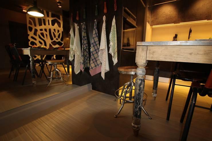 Detal - taboret: styl , w kategorii Jadalnia zaprojektowany przez projektowanie wnętrz,Industrialny
