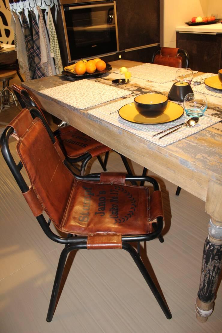 detal - krzesłao: styl , w kategorii Jadalnia zaprojektowany przez projektowanie wnętrz,Industrialny