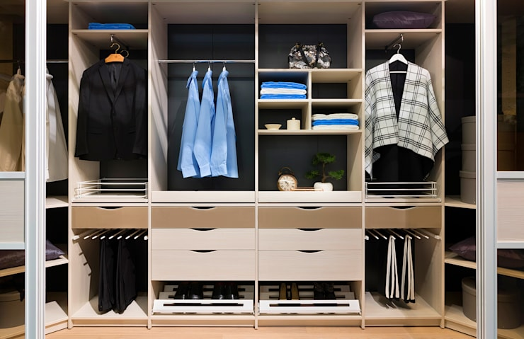 Vestidores y closets de estilo  por Elfa Deutschland GmbH