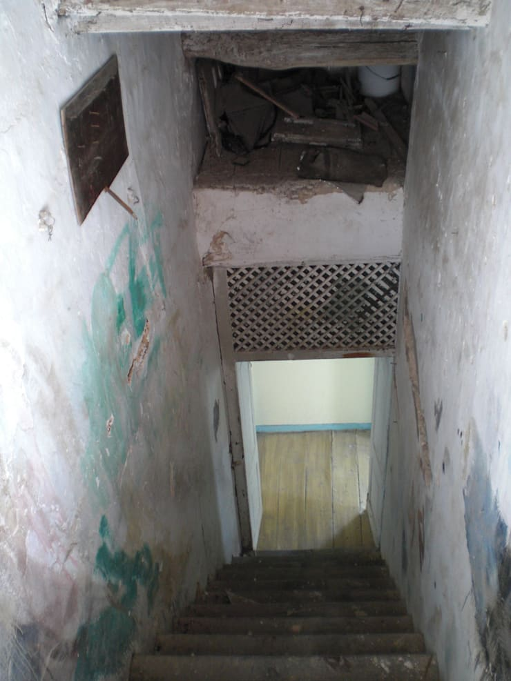 Escadaria antes da reabilitação:   por Protecna - Consultores de Engenharia