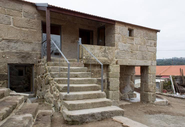 Exterior:   por Pedro Miguel Santos, arquitecto