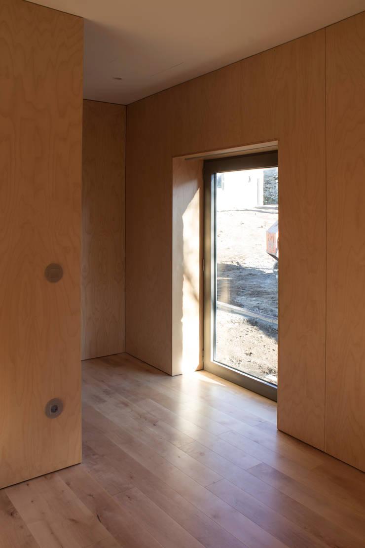 Quarto:   por Pedro Miguel Santos, arquitecto
