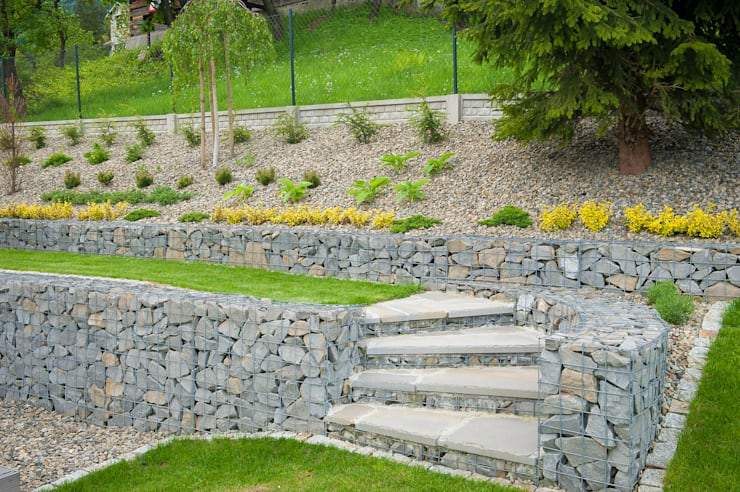 Ogród z gabionami: styl , w kategorii Ogród zaprojektowany przez Pracownia Projektowa Architektury Krajobrazu Januszówka