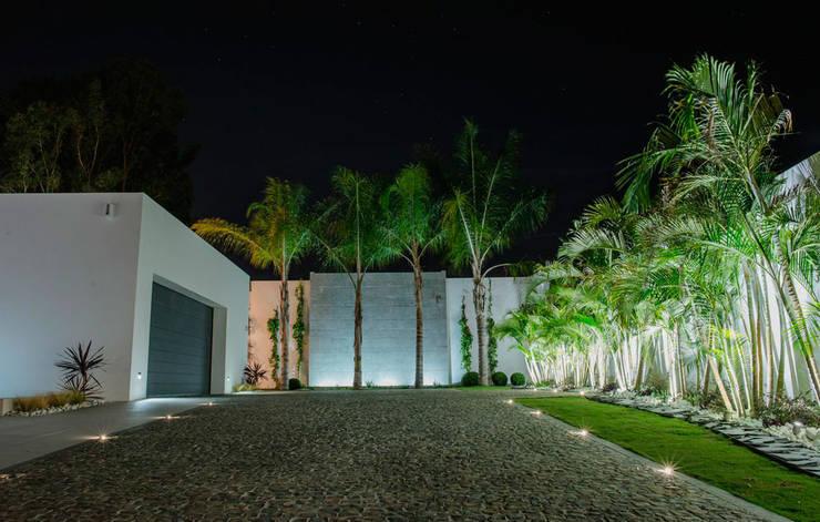 حديقة تنفيذ Beatrice Perlac - Adarve Jardines