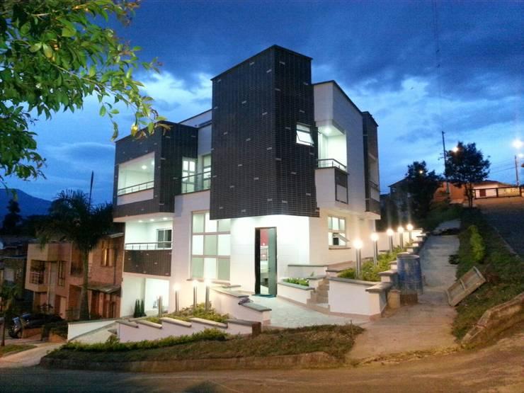 Casas de estilo moderno por Le.tengo Arquitectos