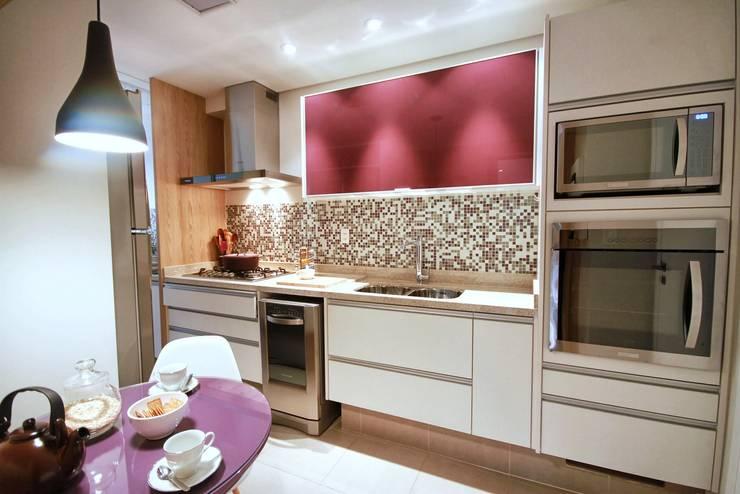مطبخ تنفيذ MeyerCortez arquitetura & design