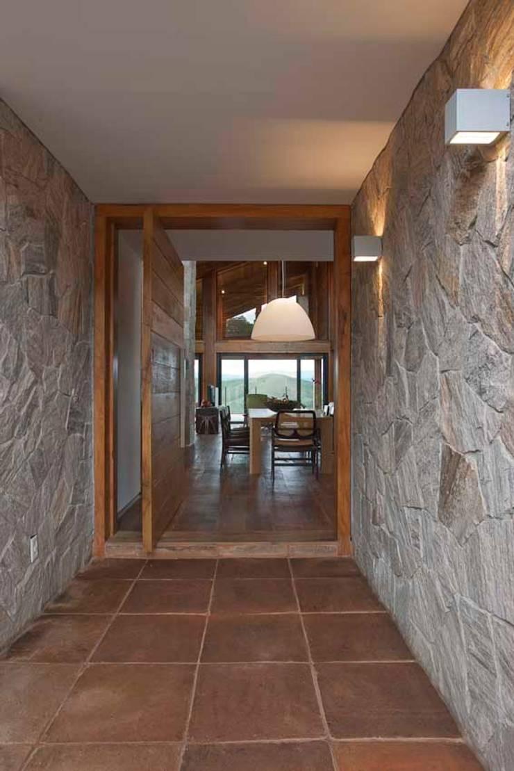 Casa da Montanha 9: Casas  por David Guerra Arquitetura e Interiores