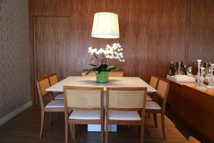 Jardim Marajoara III: Salas de jantar  por MeyerCortez arquitetura & design