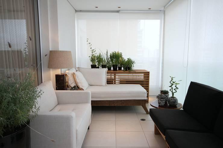 Terrazas de estilo  de MeyerCortez arquitetura & design