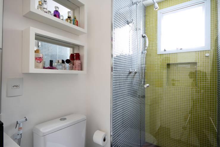 Projekty,  Łazienka zaprojektowane przez MeyerCortez arquitetura & design