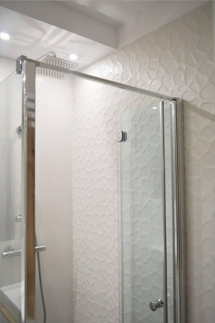 Mała łazienka W Bieli By Denika Homify