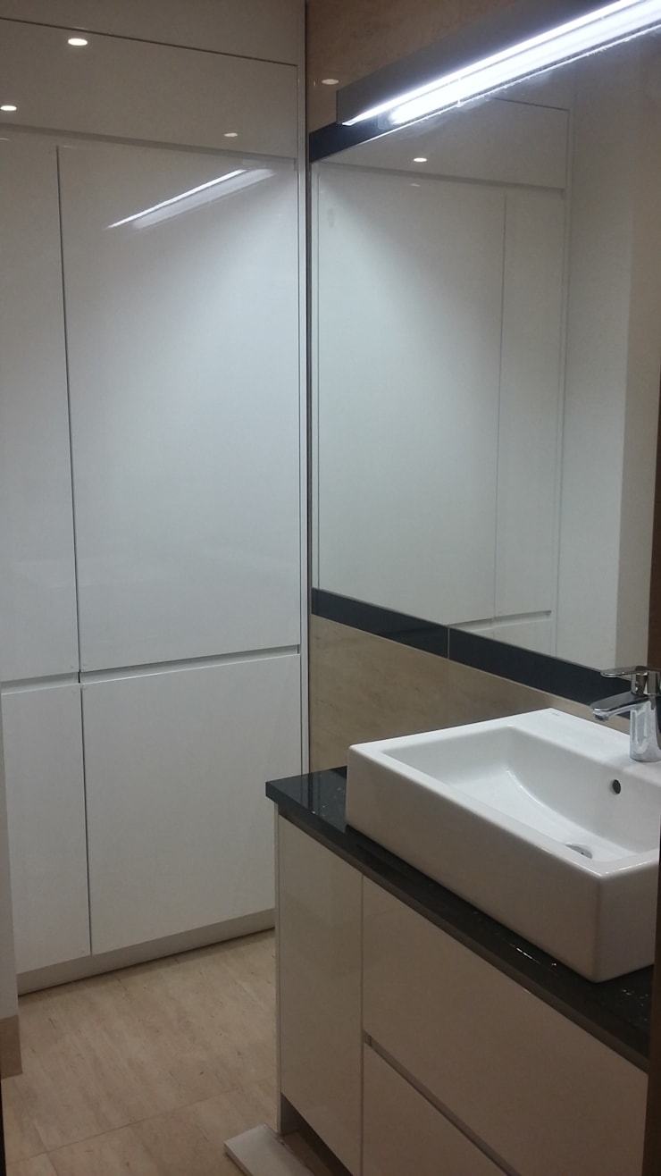 Mieszkanie dla pary: styl , w kategorii Łazienka zaprojektowany przez Denika