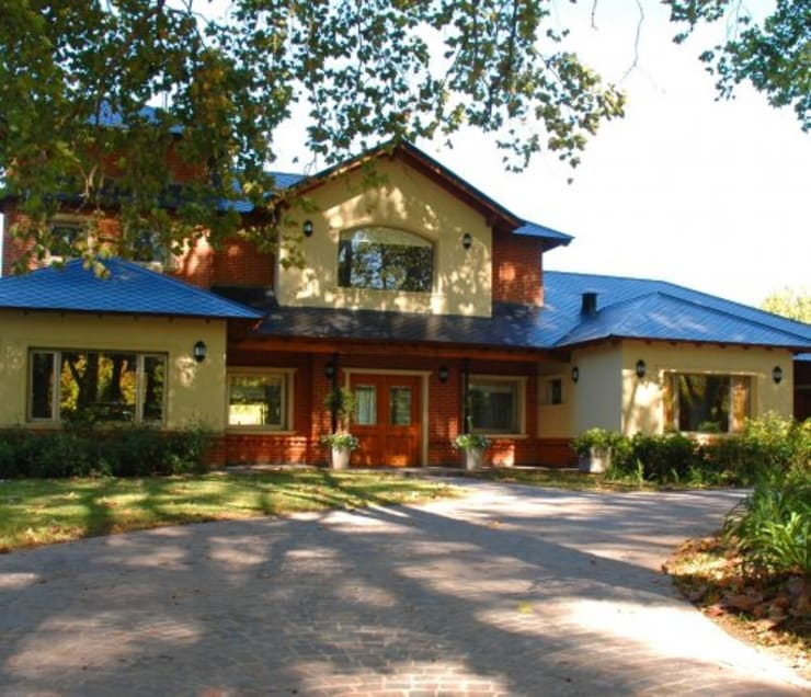 ARTACHO HOUSE: Casas de estilo  por Carbone Fernandez Arquitectos