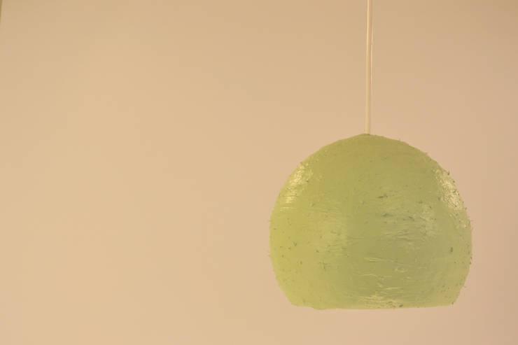 Green Plaster: Casa  por Blue Art Factory