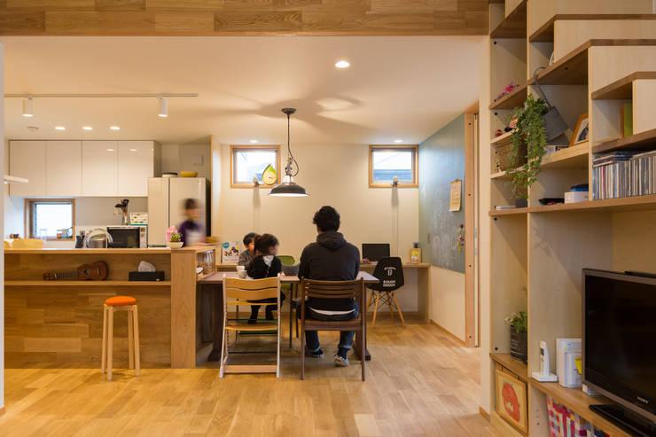Sala de jantar  por リノクラフト株式会社