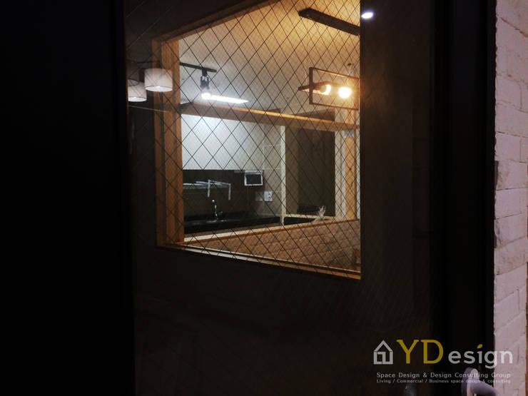 동탄2신도시 호반베르디움APT: YDesign의  복도 & 현관,모던