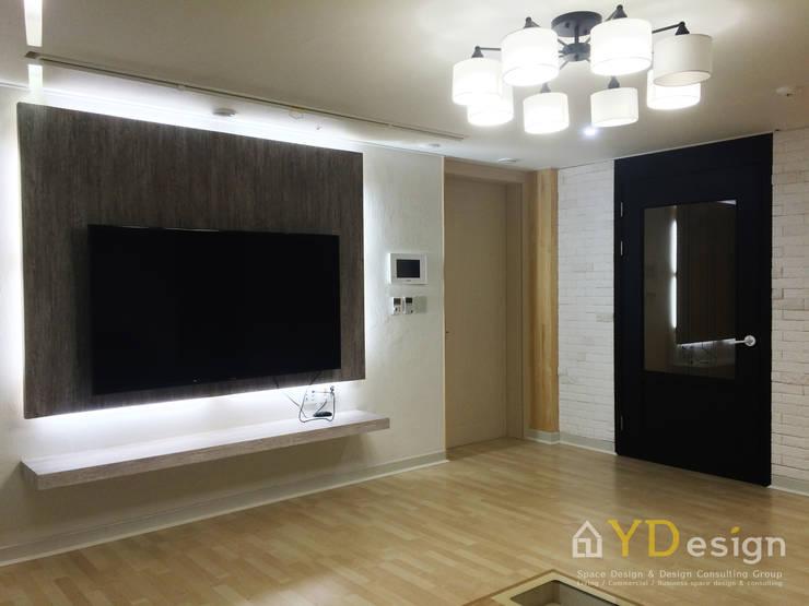 동탄2신도시 호반베르디움APT: YDesign의  거실,모던