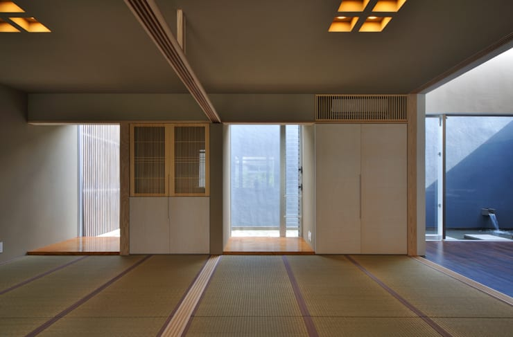 和室: 株式会社クレールアーキラボが手掛けた寝室です。