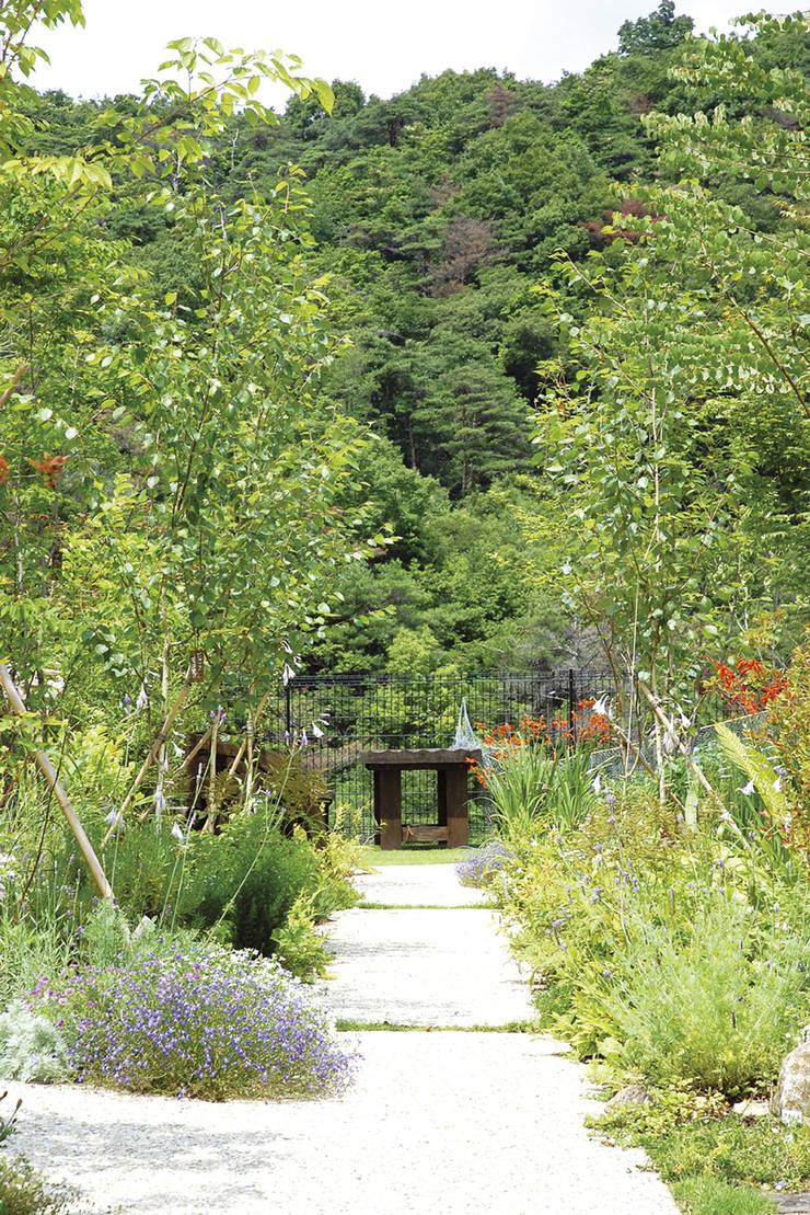 O様邸: WA-SO design    -有限会社 和想-が手掛けた庭です。