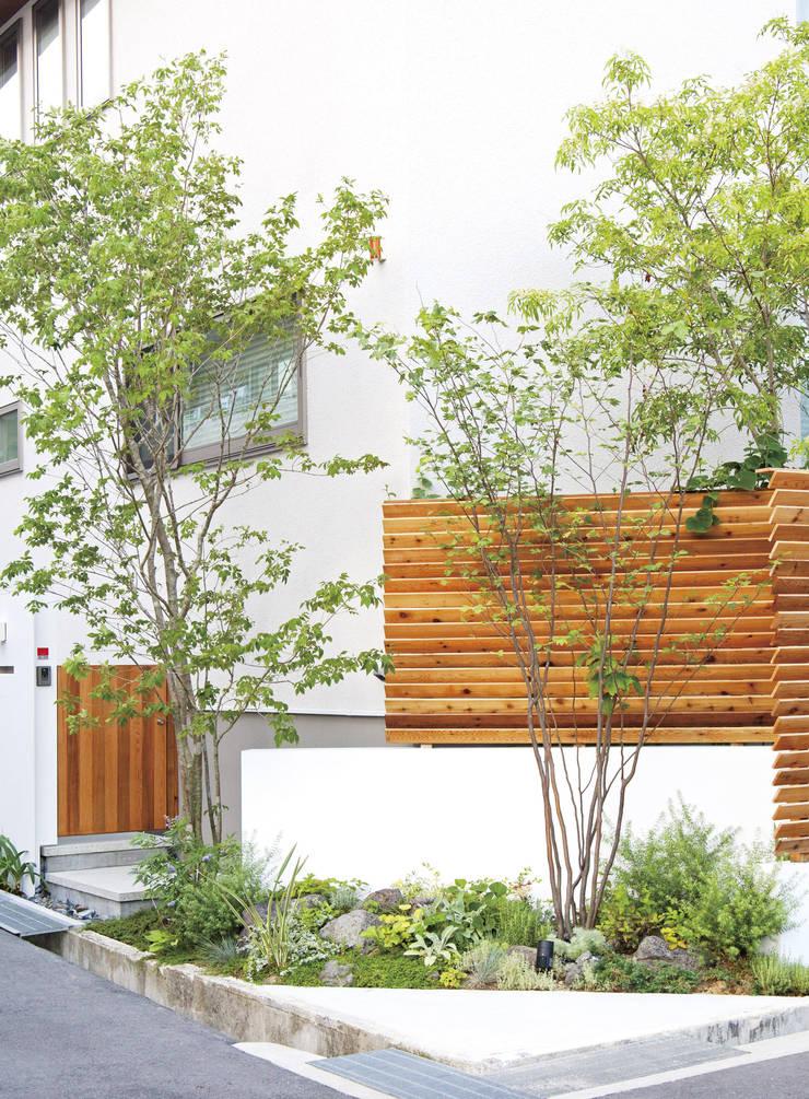 N様邸: WA-SO design    -有限会社 和想-が手掛けた庭です。,